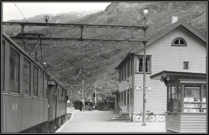 KULTUR VARDER: W. E. DANCKER-JENSEN: EN REISE MED FLÅMSBANA I 1962
