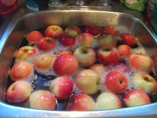 Simple And Effective Way To Remove Pesticides From Your Fruit and Veggies