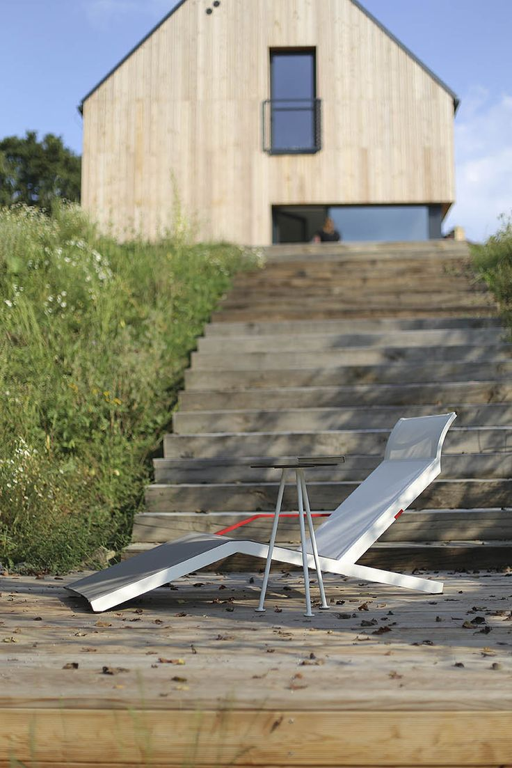 egoé outdoor furniture | ALVA deckchairs are made especially for a comfortable daylong rest. Thanks to the lightweight construction they are easy to move which might come in handy especially when you want to keep turning to the sun. design: Radek Hegmon, David Karásek
