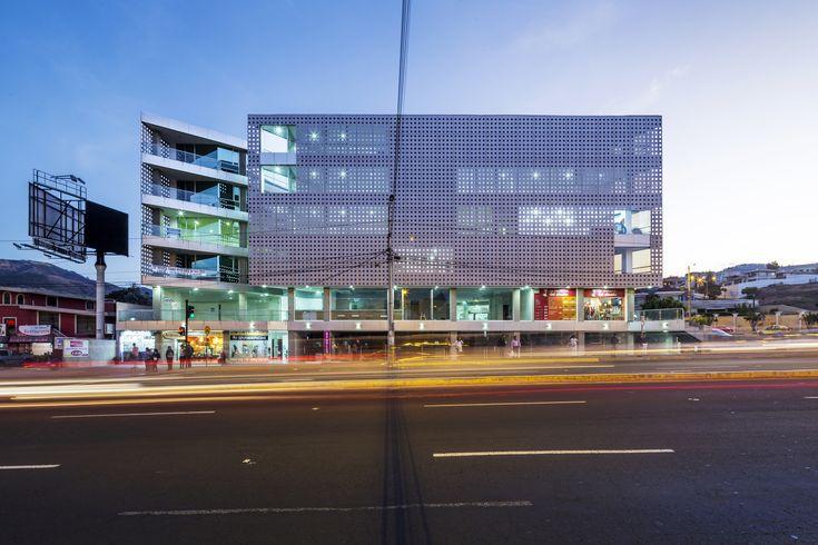 Galería de Edificio Halcón / TEC - Taller EC - 10