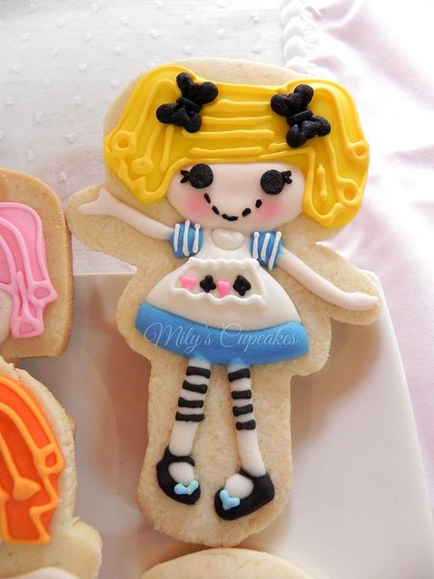 Lalaloopsy - Sophia's Party!! by Mily'sCupcakes, via Flickr