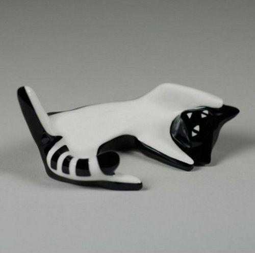 Cmielow Porcelain - Rolling Kitten