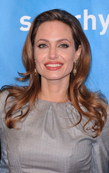 Angelina Jolie Long Curls - Angelina Jolie wore her hair in long glossy waves at the 2012 Cinema for Peace Gala.
