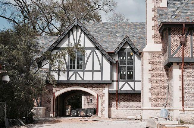Pin By Rachel Kilcher On Porte Cocheres Tudor House Exterior Tudor Style Homes Tudor House