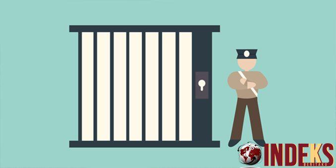 IndeksBeritaku - Berita hari ini adalah Kepolisian Sektor Kota (Polsekta) Padang Barat, Kota Padang, Sumatera Barat, menangkap seorang tahanan yang kabur pa, Baca Selengkapnya:  http://indeksberitaku.com/pura-pura-asma-tahanan-polisi-kabur-saat-dirawat-di-rumah-sakit/