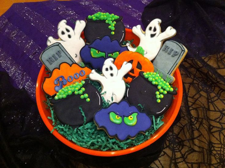 Halloween Cookie Platter- Ghosts, Spooky Eyes, Gravestones, Bubbling Witch's Cauldrons and a Jack O Lantern