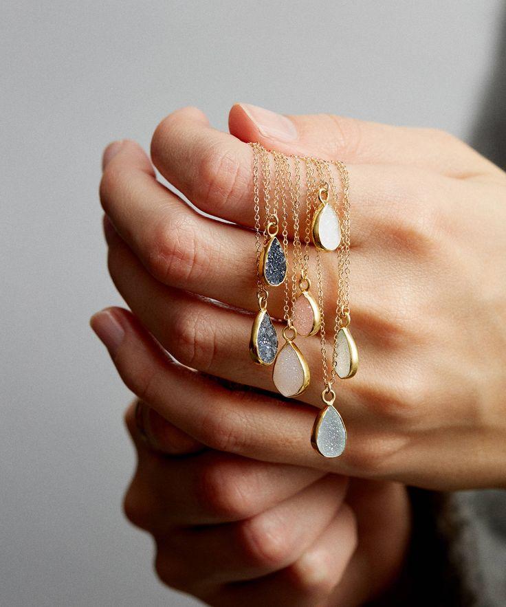 Teardrop Druzy Pendant Halskette/Gold Edged Stone auf 14k Gold Füllung Kette/Druzy Tiny Crystals Original Simple Gemstone Halskette/LN726