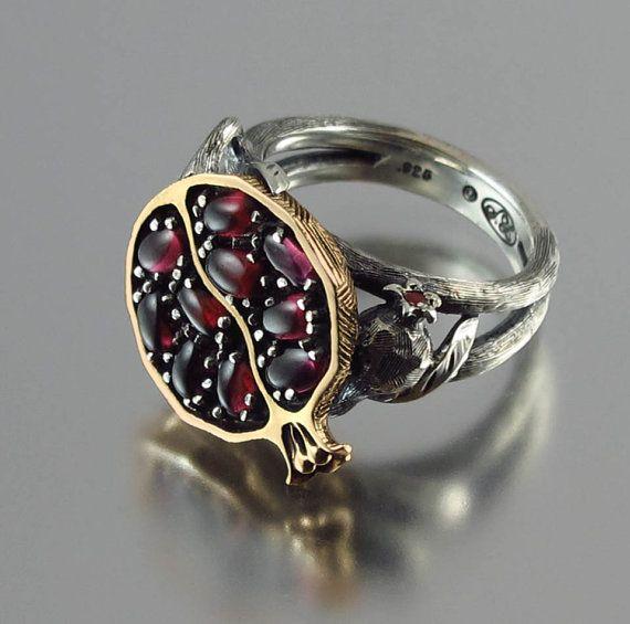 Granatapfel-Granat-Bronze und Silber Ring von WingedLion auf Etsy …