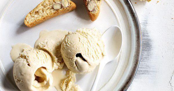 Das Eis mit dem gewissen Extra. Am besten Sie bereiten gleich die doppelte Menge zu, damit Sie den Naschlagwünschen Ihrer Gäste nachkommen können.