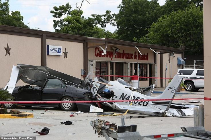 William P. Hobby Airport* plane crash* leaves three dead in Texas | Daily Mail Online