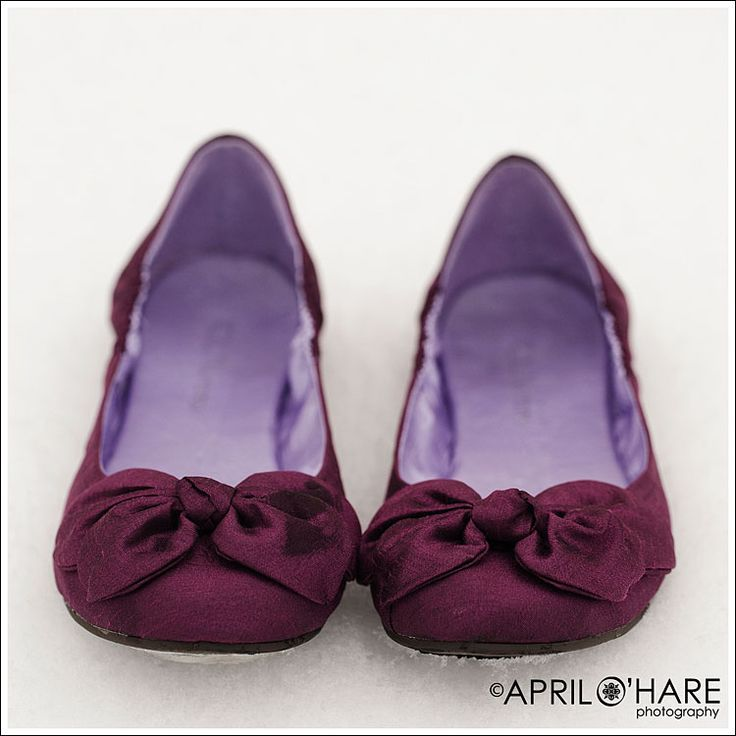 plum winter wedding - flats for reception Would love these in red