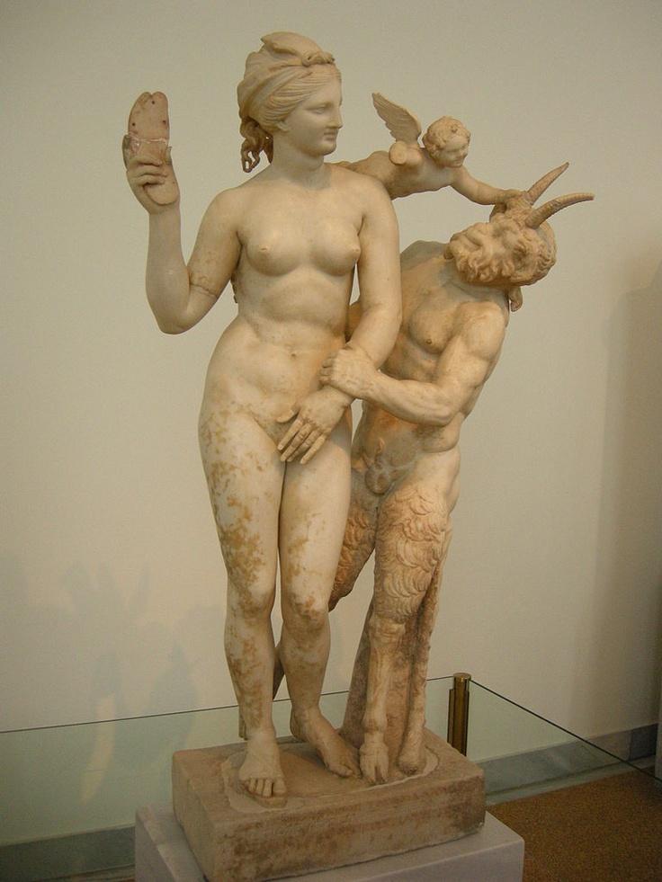 Afbeeldingsresultaat voor hellenistic statue venus