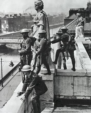 British Soldiers on the roof of the Four Courts.