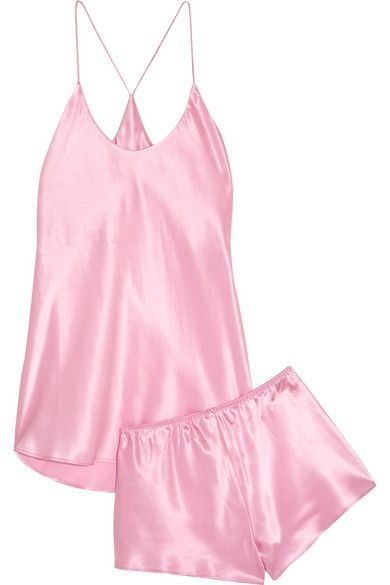 This silk-satin 'Bella' pajama set from Olivia von Halle is the perfect outfit to sleep in - Photo: NET-A-PORTER