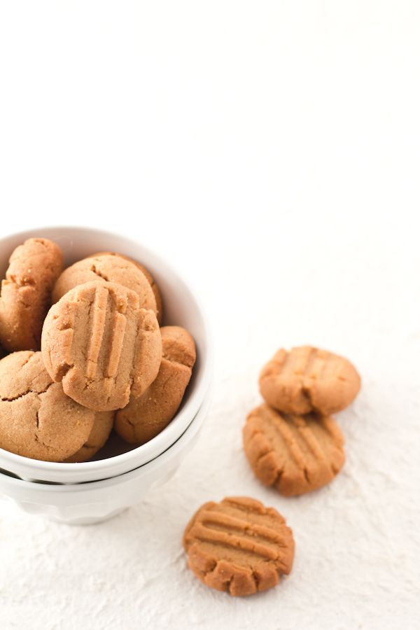 peanut butter cookies (in Italian--but I think I can translate....)