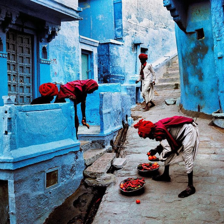 Photo taken by @stevemccurryofficial // A fruit vendor plies his wares in colorful Jodhpur, India. Jodhpur, on the edge of the Thar Desert, was once the capital of a princely state. Its medieval quarter, surrounded by a ten-kilometer wall, is a maze of alleyways, often only wide enough for a man or a cow to pass.