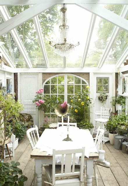 How lovely - sun room or green house, perfect space for tea and a good book - near bliss