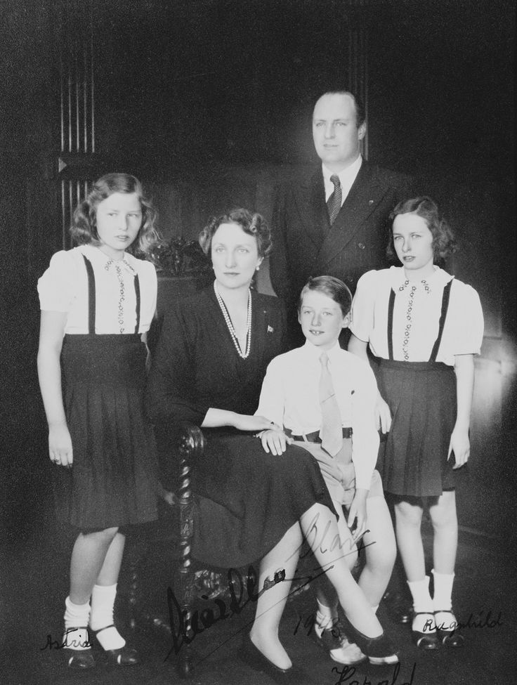Crown Prince Olav and Crown Princess Martha of Norway with their children Princess Astrid, Prince Harold and Princess Ragnhild