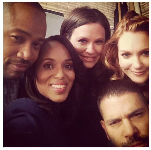 Columbus Short, Kerry Washington, Katie Lowes, Guillermo Diaz, and Darby Stanchfield on set of Scandal