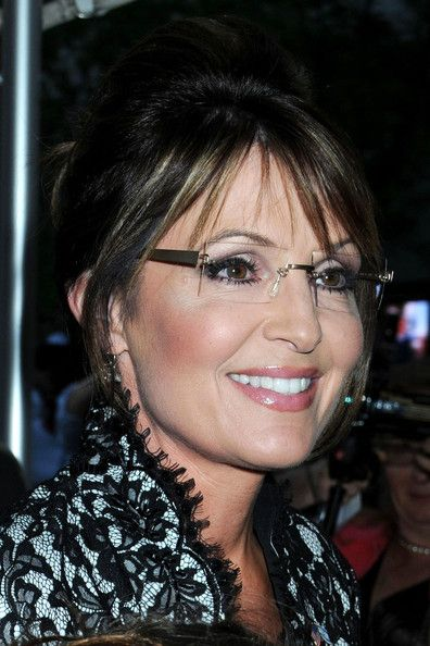 """""""Sarah Palin need more women like her!!"""" - hey, I'd go hunting with her ~:^)>"""