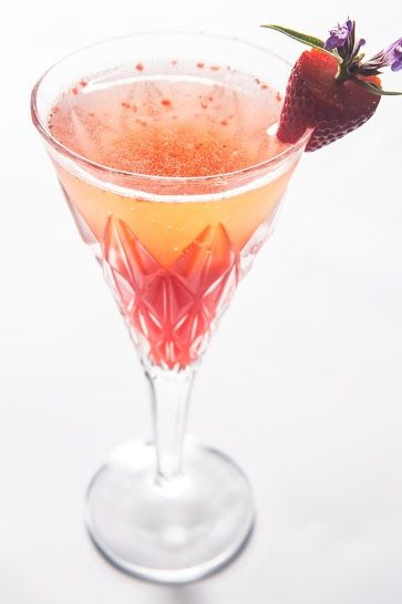 SAINT TROPEZ SPARKLE Chilled Taittinger Champagne, Vodka, Strawberries and Pineapple Juice - Sexy as hell -