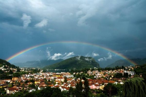 L'arcobaleno dei lettori di Varesenews - Guarda la galleria fotografica: http://www3.varesenews.it/gallerie/index.php?id=19045&img=1