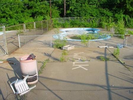 241 best images about abandoned pools no diving on for Disused swimming pools