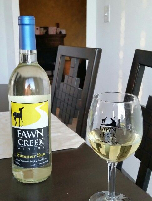 Summer Sun Wine by Fawn Creek Winery, WI