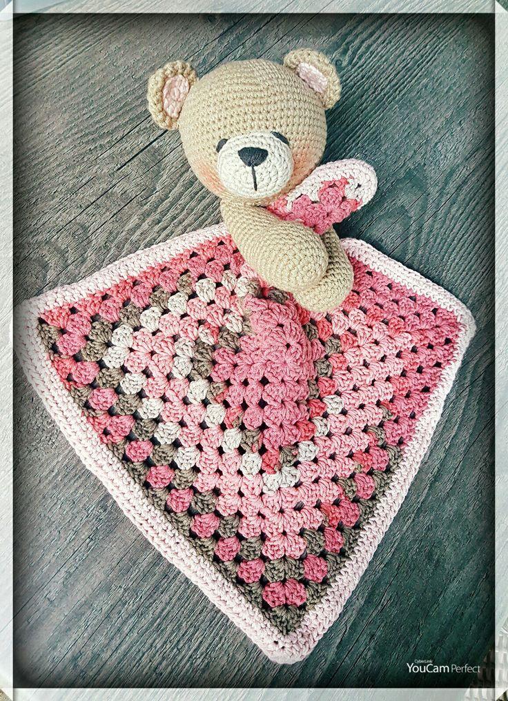 Knuffel/doekje. Beertje van My Krissie dolls met een granny doekje...made by Linnepin