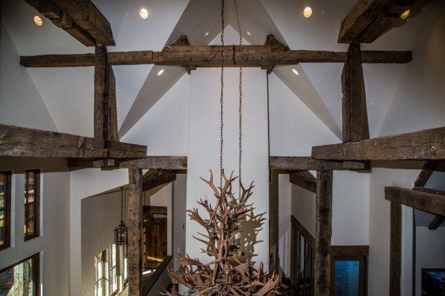 L & L Reclaimed Wood - Ceiling beams