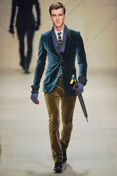 Burberry Menswear Fall 2012. Oh The jacket! Oh The umbrella! Oh the awesome!!