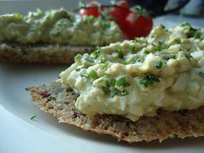 Avocado- og eggesalat