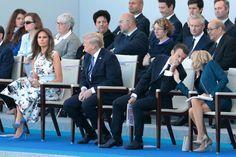 Brigitte Macron a assisté vendredi matin au défilé du 14 juillet sur les Champs-Elysées, en tribune présidentielle aux côtés de son époux Emmanuel Mac...