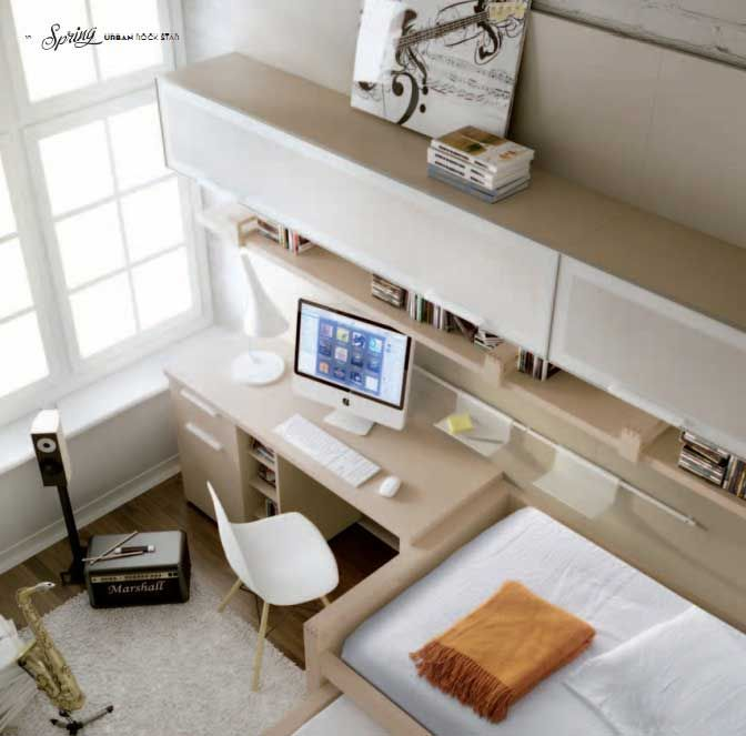Music Themed Room With Mac Table