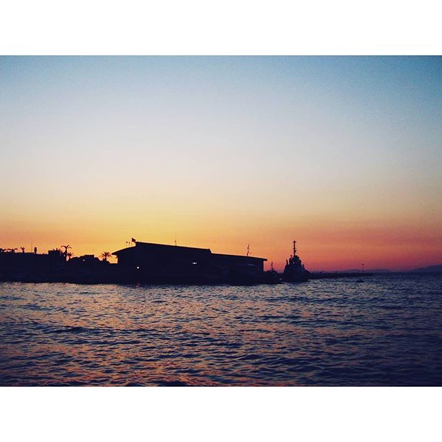 Sunset time ♡#destinationany #anywheretraveler #travelblogger #traveler #travelgram #instatravel #sunlovers #aegeansea #beachlovers #sunset #naturelovers #beautifuldestinations #beautifulcolours #summer #summermemories #summerholiday #beautifuldestinations #beautifulsea #bluesea #takemetoturkey #turkey #kusadasi #welivetoexplore #ig_romania #igromania #igersromania