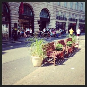 #RegentStreet prepares for the first #SummerStreets event. Visitors already enjoying al fresco dining at @cafeconcerto