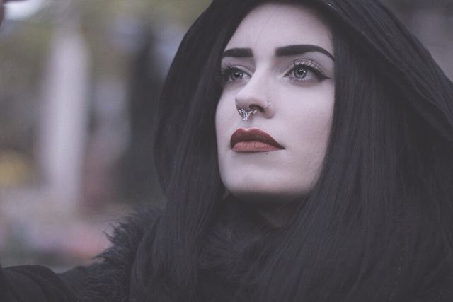 Have a good day ( Pumpkin @limecrimemakeup on the lips, for those who asked me yesterday ) -  : Phil Hilfiker - #photography #photographie #dark #witch #wiccac #paris #french #france #goth #wicksandbeans #composer #filmscoring #music #limecrime #lipstick #pumpkin