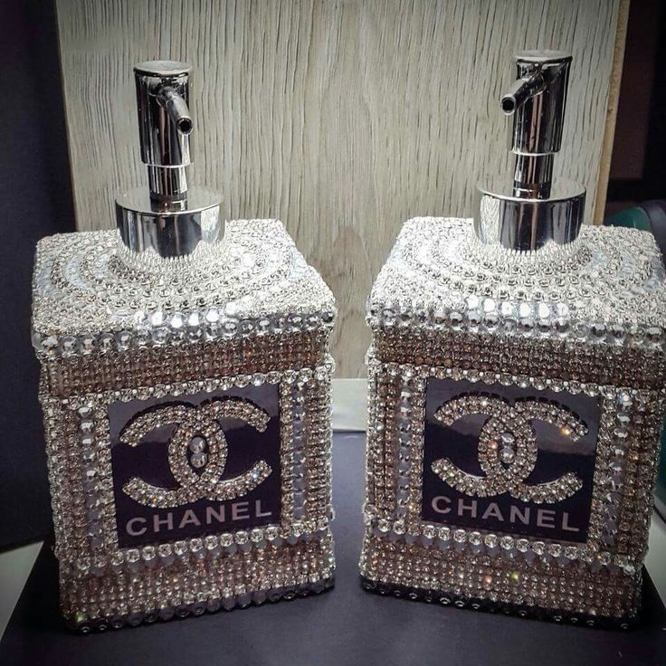 Chanel liquid soap and lotion dispensor bebe 39 a for Bathroom accessories with rhinestones