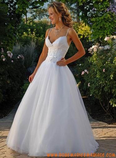 Robe ballon avec bretelle spaghetti en satin et tulle ornée de plis robe de mariée tulle
