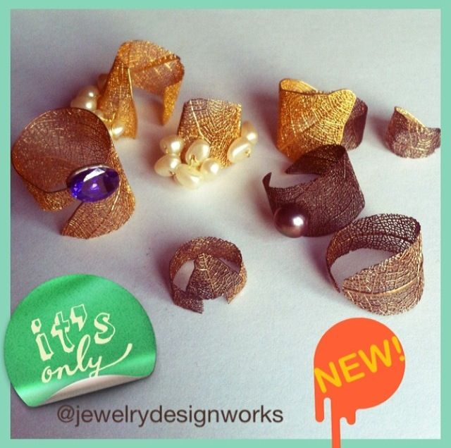 To contact and see all works i am on instagram  @jewelrydesignworks