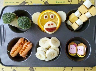 Muffin Tini - Monkey lunchTins Mom, Muffin Tin Meals, Fun Food, Monkeys, Muffin Tins, Muffins Tins Meals, Lunches Boxes, Peanut Butter, Kids Food