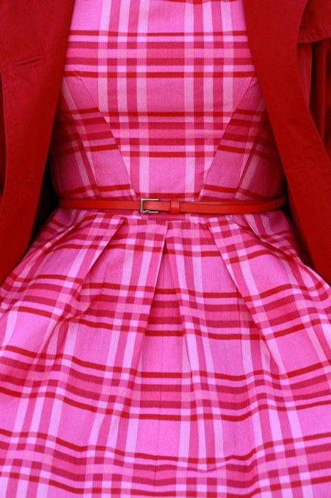 prep girl fashion quest:  HOT combo. pink & red >3