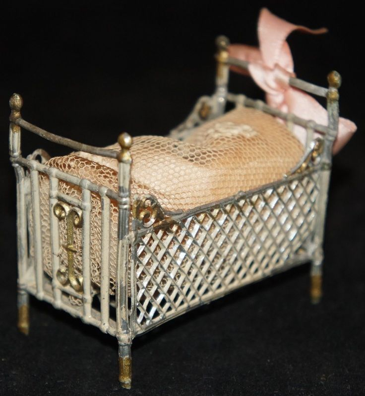 Antique DOLLHOUSE CRIB SOFT METAL W/Mattress, Bed Cover And Bow 2 5. Metal  FurnitureNursery ...