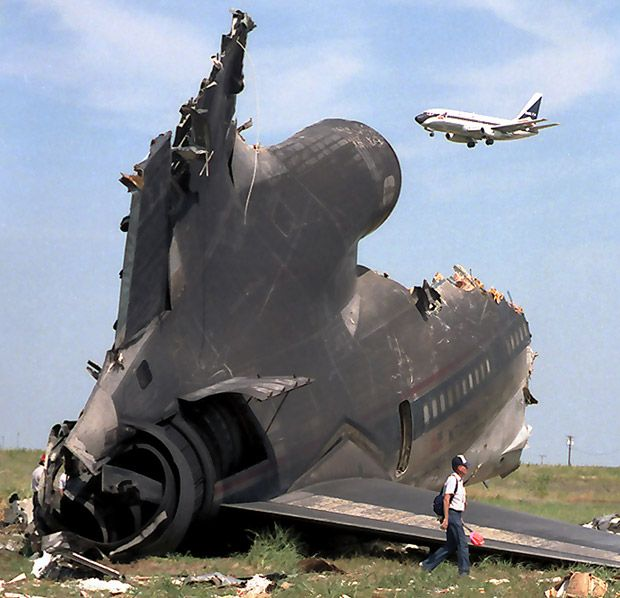 The crash of Delta Air Lines Flight 191 on Aug. 2, 1985, at Dallas-Fort Worth International Airport killed 137 people. (David Woo/The Dallas Morning News)