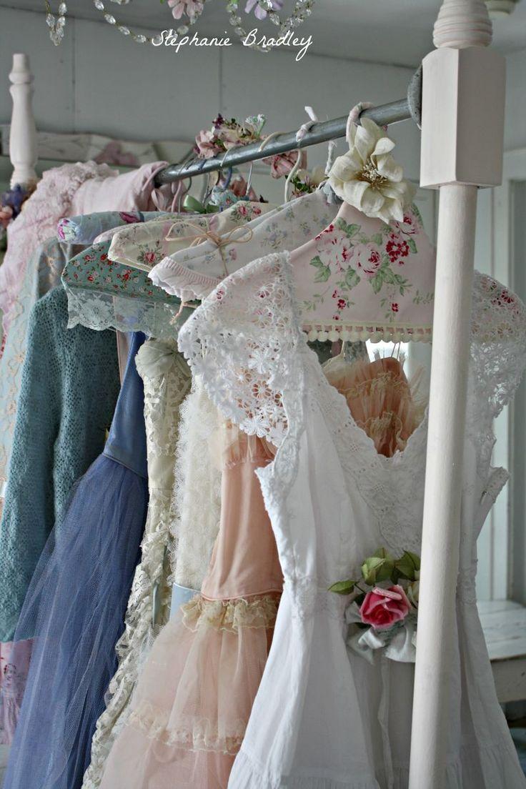 DIY SEW IDEA: Shabby Cottage Chic coat hangers!