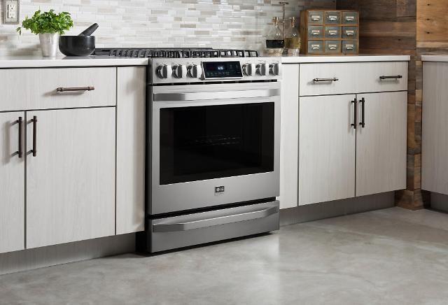 LG 프리미엄 오븐, 미국서 '올해의 제품' 선정 -