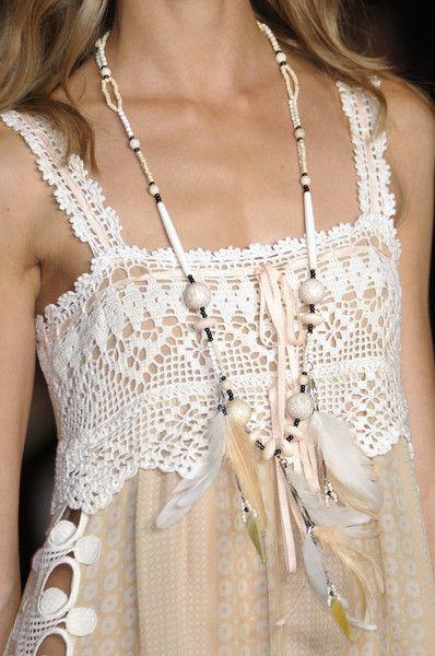 ✿⊱╮ Blusa Customizada Com Crochê ✿⊱╮ / ✿⊱╮ Custom Blouse With Crochet ✿⊱╮
