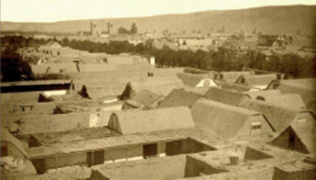 A comienzos del 1900, la comuna de Tacna pertenecía a Chile, como consecuencia de la Guerra del Pacífico, en que Chile expandió su fronteras anexando territorios de Perú y Bolivia.   Con el Tratado con Perú en 1929, Tacna vuelve a la juridiscción de esa nación.   Estas fotografías datan entre los años 1880, a comienzos de la ocupación chilena, hasta 1910 aproximadamente.Tacna, en el 1900. Primera comuna al norte de Chile