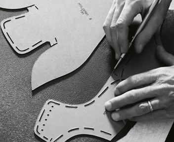 Viaggio nella fabbrica-modello Louis Vuitton a Fiesso d'Artico