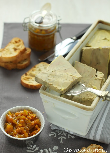 Foie gras en terrine et chutney de kumquats